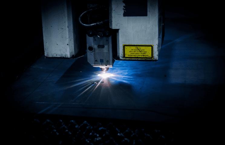 laser-2819140_1920